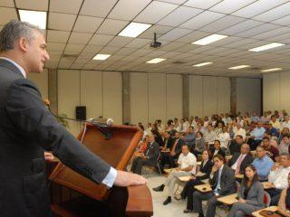 Dr. David Samadi presenting at Rambam Hospital