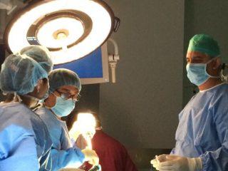Dr. Samadi in the OR